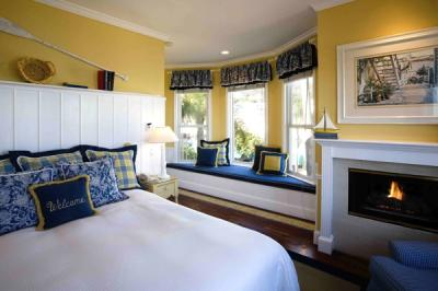 Overnight getaway to Catalina with Boat and Hotel Packages
